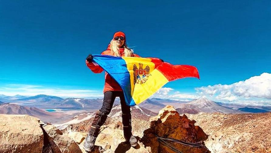 Femeia de afaceri Olga Țăpordei, pe cel mai înalt vulcan din lume! Această expediție o dedică soțului