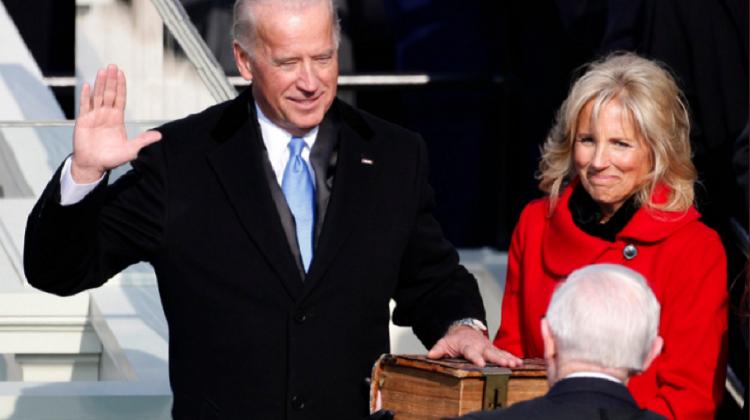 Joe Biden va depune jurământul cu mâna pe o biblie veche de 127 de ani, fiind al doilea președinte catolic