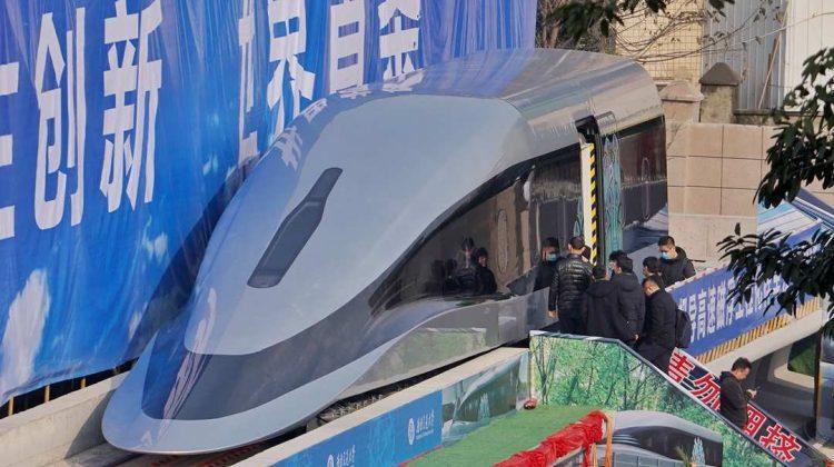 (VIDEO) China lansează un prototip de tren care atinge viteze de 620 de kilometri pe oră. Cum arată la interior