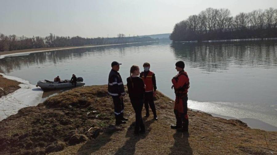 Minora de 12 ani care s-ar fi înecat în Nistru așa și nu a fost găsită. Salvatorii își suspendă căutările