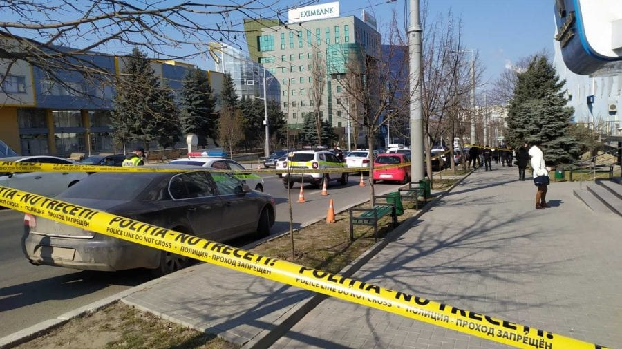 UPDATE: Alertă cu bombă la Judecătoria Buiucani! Toate serviciile specializate, la fața locului