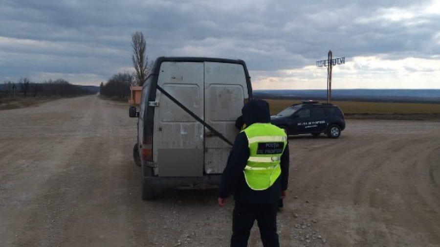 Moldovean, stopat la volan fără permis, cu revizia tehnică expirată și peste o tonă de fier uzat fără acte