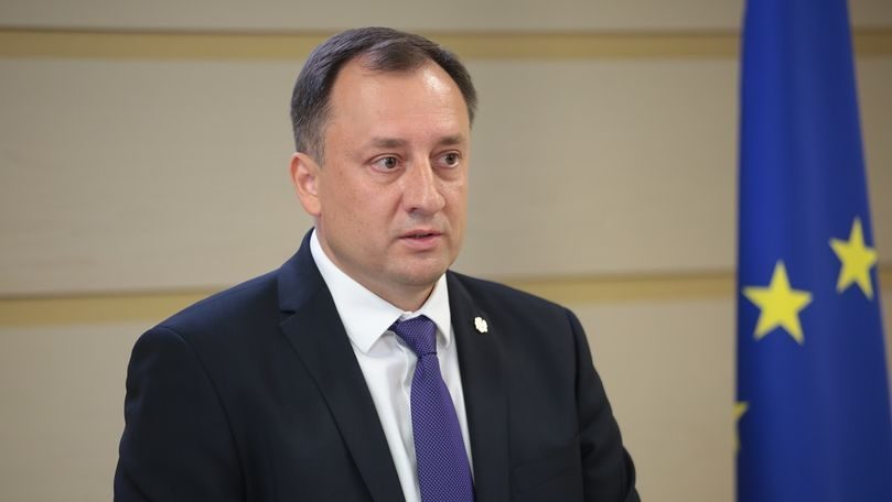 Ulanov, recunoscut oficial bănuit, audiat și percheziționat la birou de către procurorii anticorupție
