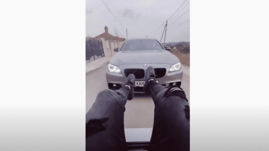 """(VIDEO) Nu și-au învățat lecția. Tik-tokerii care au intrat cu BMW-urile la Valea Trandafirilor, """"vedete"""" din nou"""