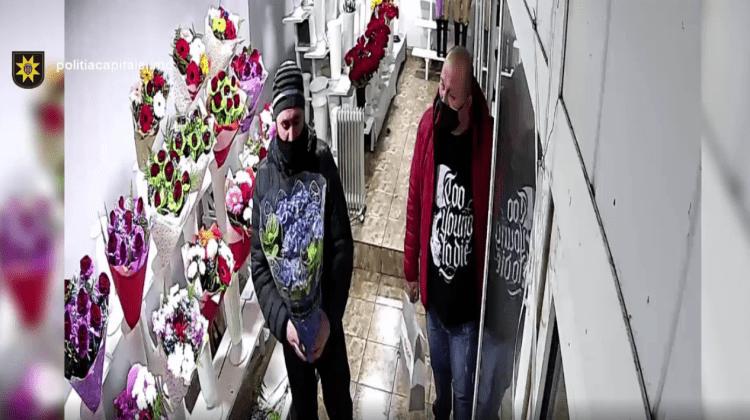 """(VIDEO) """"E frumoasă, așa-i?!"""" Doi bărbați surprinși de camera de supraveghere când fură o floare de 500 de lei"""