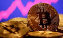 Pe fondul începutului legalizării criptomonedelor, rata Bitcoin crește rapid