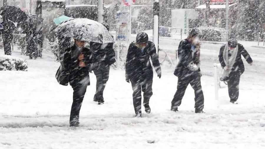 În weekend va ninge în Nordul și Centrul țării. Meteorologii vin cu recomandări