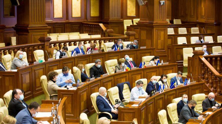 Deputații amenință ANRE și Consiliul Concurenței cu proteste dacă nu i-au la control scumpirea carburanților