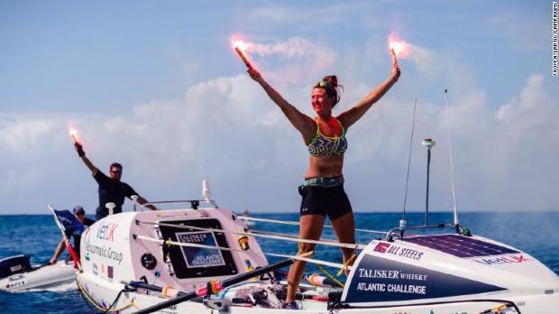 (FOTO) Are 21 de ani și tocmai a devenit cea mai tânără femeie care a vâslit singură peste Oceanul Atlantic