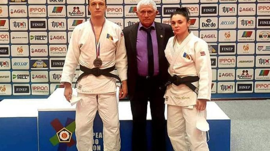 Doi sportivi moldoveni au urcat pe podium la Praga