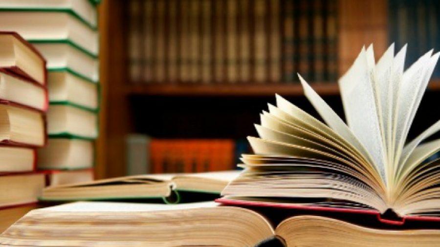 """""""Noaptea Cărților Deschise"""" îți oferă posibilitatea să cumperi o carte la jumătate de preț"""
