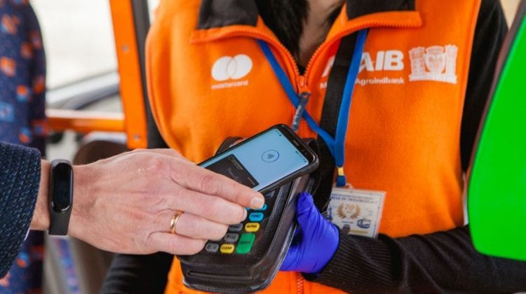 Primăria Chișinău, Mastercard și MAIB au lansat plata fără numerar pentru călătoria în transportul public din capitală