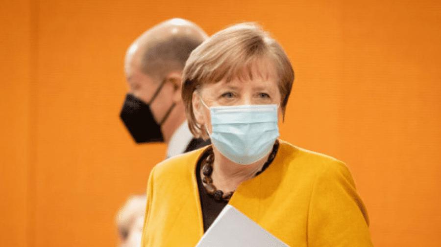 Germania: Merkel își cere scuze și renunță la planurile de închidere de cinci zile de Paște