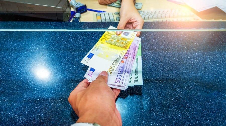 Bărbat din Cahul, investigat de autoritățile române pentru spălarea a peste 42 mii euro, reținut de CNA
