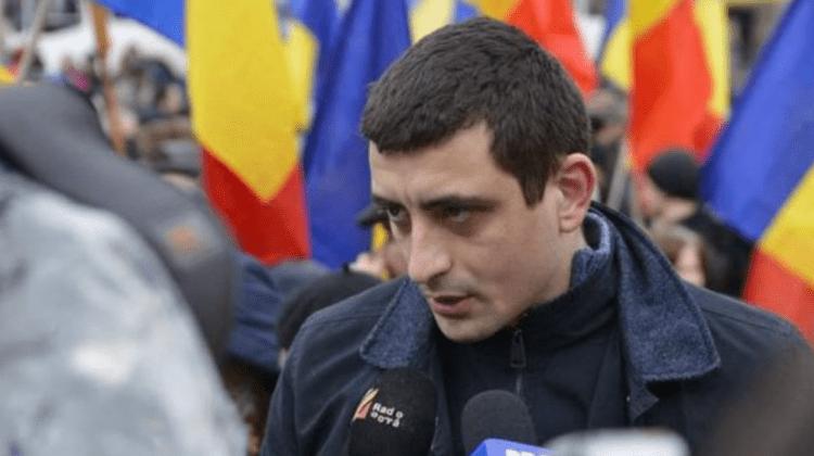 (VIDEO) Declarat indezirabil, George Simion vrea să intre în Moldova! Este blocat în vama Leușeni de poliție