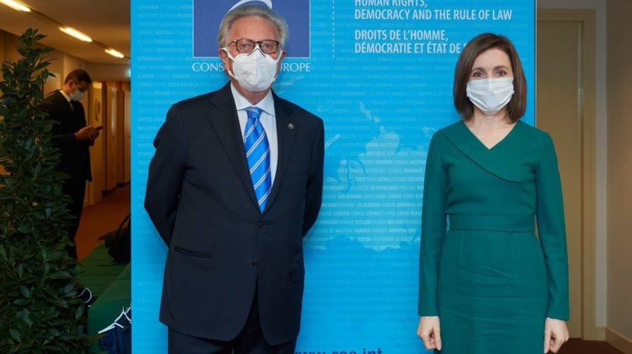 Maia Sandu s-a întâlnit la Strasbourg cu președintele Comisiei de la Veneția. I-a comunicat prioritățile Președinției