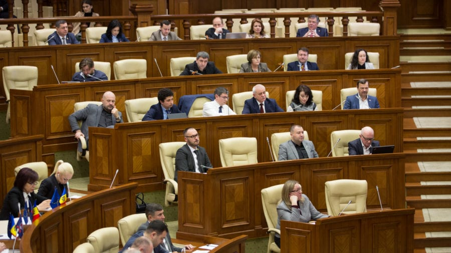 PAS a părăsit ședința Parlamentului, iar Platforma DA a solicitat o pauză. Motivul