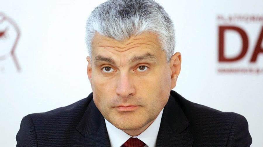 Alexandru Slusari: Petroliștii șmecheri – înțelegeri de cartel, cu implicarea ANRE și Consiliului Concurenței