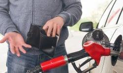 Când benzina și motorina se vor ieftini? Ce răspuns are conducerea ANRE