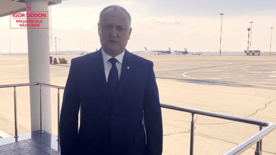 """(VIDEO) Dodon de pe Aeroportul Chișinău: Întreprind o vizită """"fulger"""" la Moscova. Așteptați-mă acasă!"""