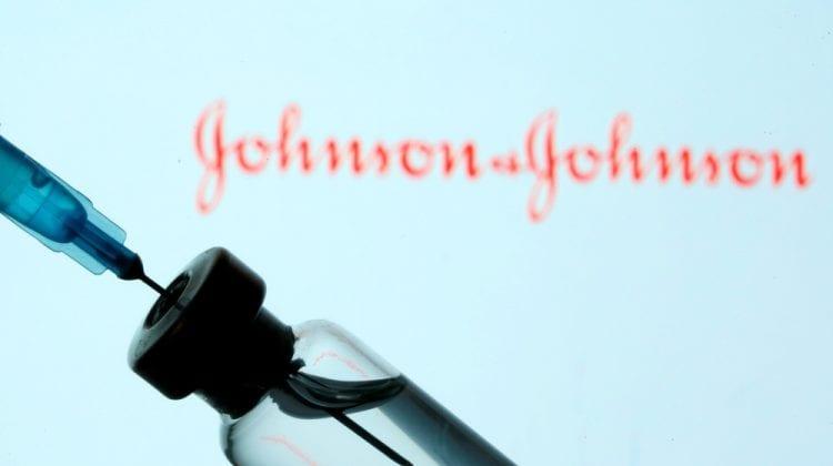 """EMA: Legătura dintre cazurile rare de cheaguri de sânge și vaccinul J&J este """"posibilă"""""""