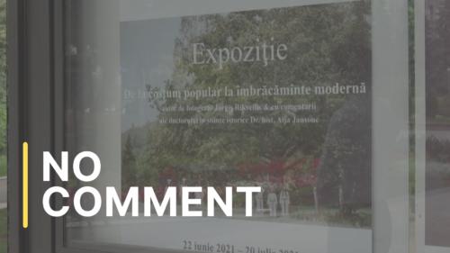 """Expoziția """"De la portul popular la îmbrăcămintea modernă"""", în Parcul Catedralei"""