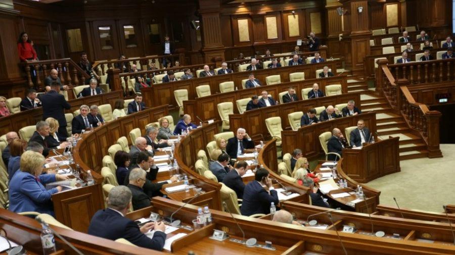 """Vineri – """"zi de Parlament"""". Deputații vor avea de examinat circa 20 de subiecte pe ordinea de zi"""