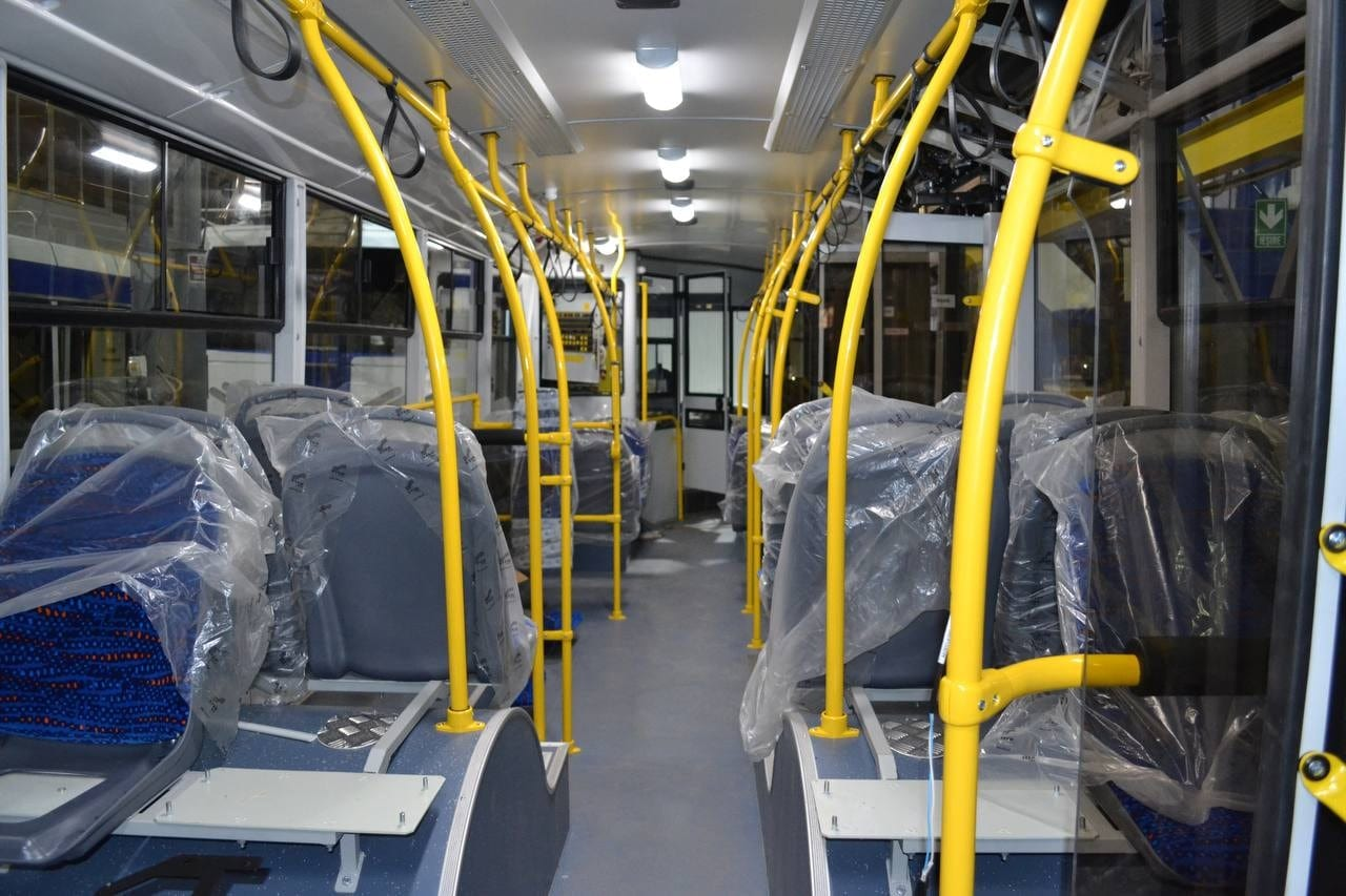 (FOTO) 10 troleibuze noi, cu autonomie, sunt asamblate în aceste zile la Chișinău