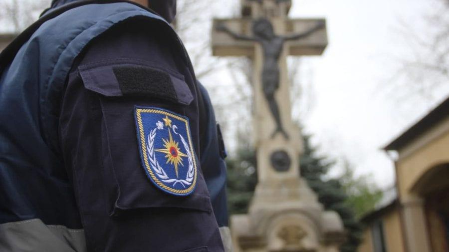 (FOTO) IGSU în acțiune: Recomandări pentru responsabilii lăcașelor de cult în ajun de Paști