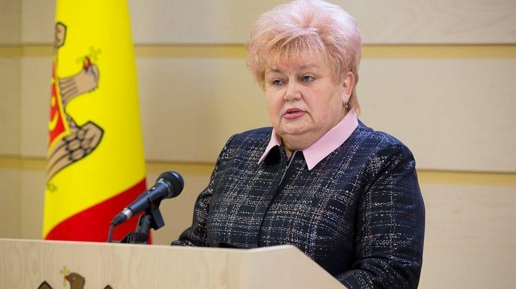 """Partidul """"ȘOR"""" și Platforma """"Pentru Moldova"""" cer să fie redeschise școlile: Tot mai mulți copii își strică vederea"""