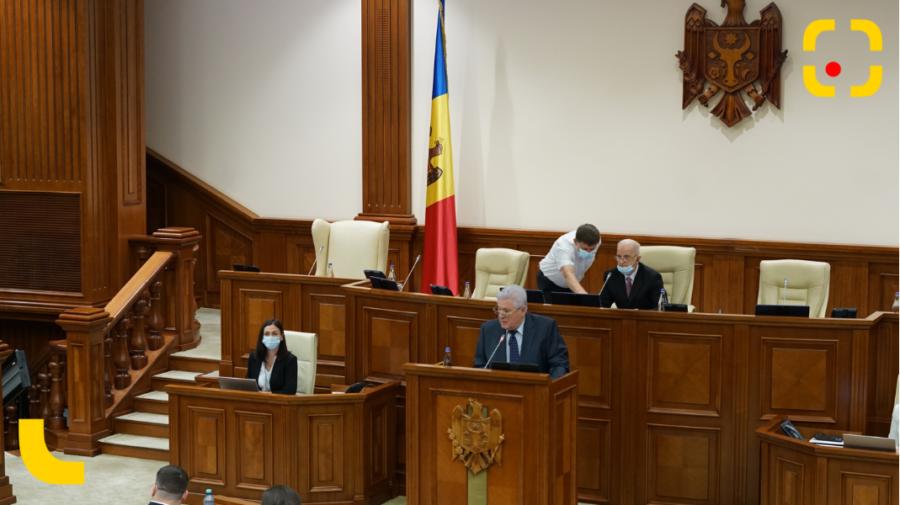VIDEO Voronin revine la tribuna centrală a Parlamentului după doi ani de pauză pentru a anunța că sunt în opoziție