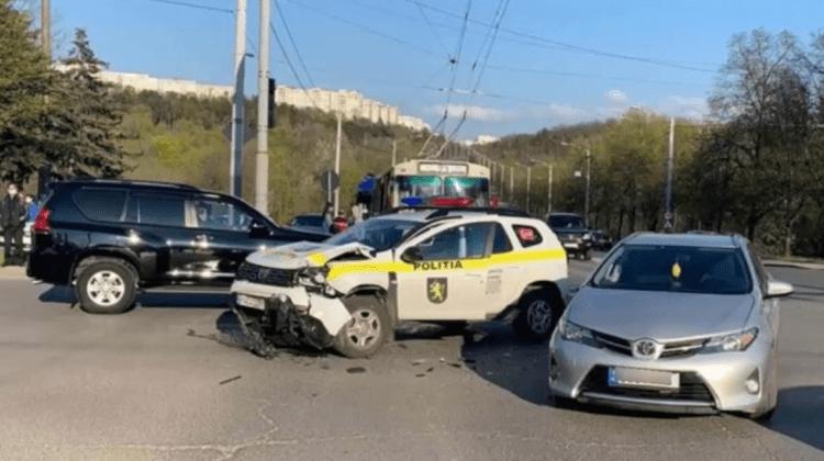 GRAV! 62 de accidente rutiere produse în ultimele 24 de ore. O mașină a poliției, accidentată