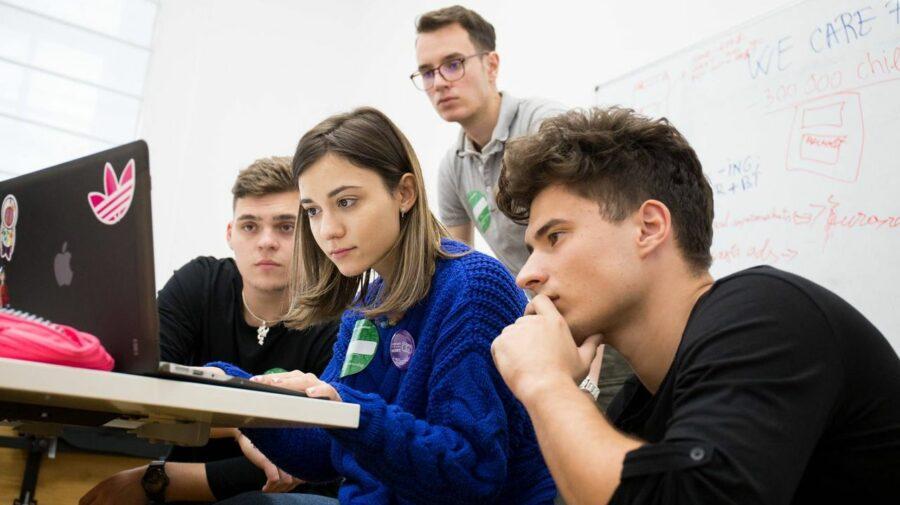 MECC informează! Când va începe depunerea dosarelor de elevii care vor să-şi continue studiile în licee