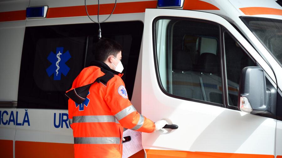 L-au salvat de la moarte! O echipă de medici de pe ambulanță au intervenit de urgență la un locuitor din Orhei