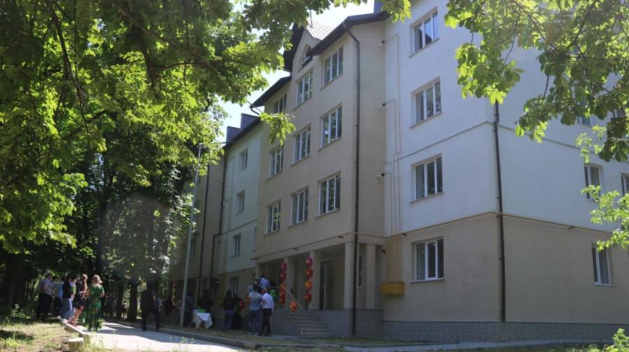 Și-au văzut visul împlinit! 32 de familii din raionul Cahul au primit locuințe GRATIS