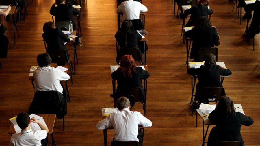Absolvenții de liceu susțin astăzi BAC-ul la limba străină