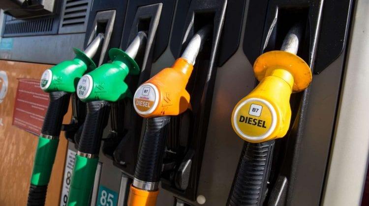 Majorarea prețului la carburanți nu mai contenește! Cifrele afișate astăzi de către bezinării