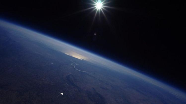 """Un """"turist"""" spațial va plăti 28 de milioane de dolari pentru a merge în spațiu lângă Jeff Bezos"""