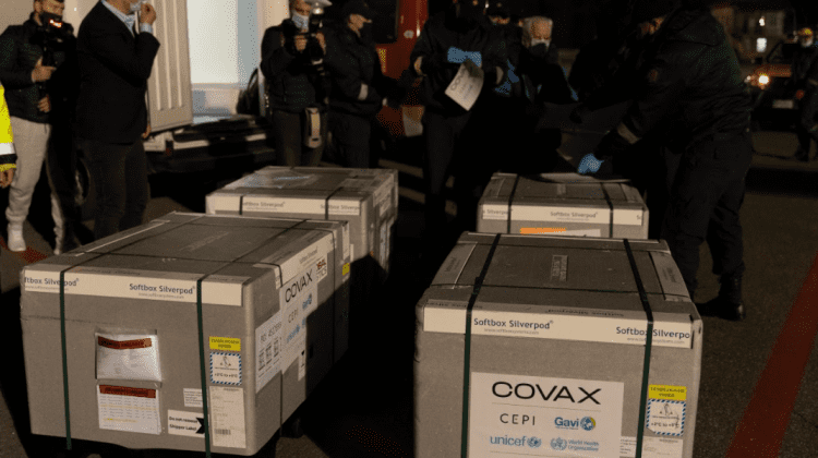 În Republica Moldova au ajuns alte 48 de mii de doze de vaccin AstraZeneca, livrate prin intermediul platformei COVAX