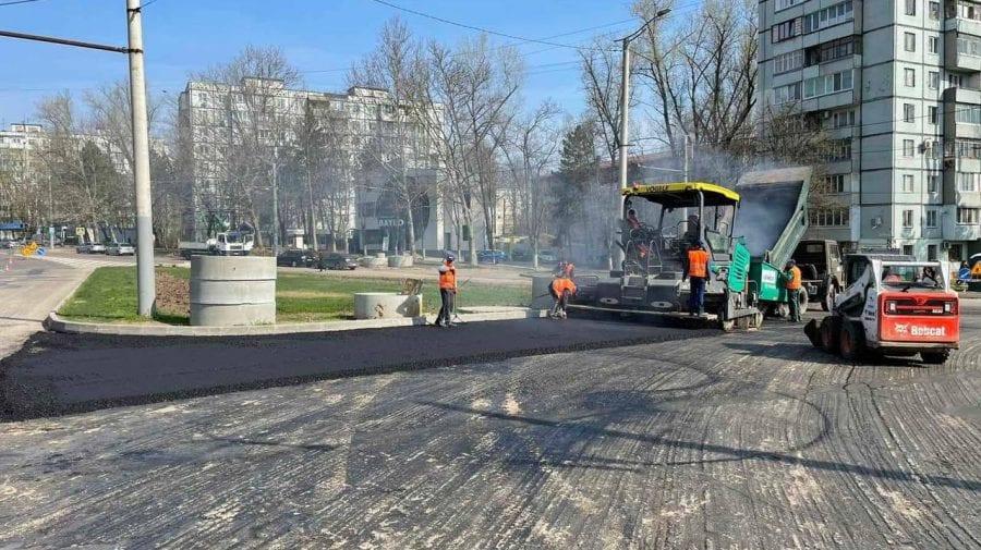Lucrările sunt în toi pe strada Ion Creangă din Capitală. La ce etapă au ajuns muncitorii