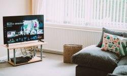 Fă-ți casa inteligentă cu televizoarele smart