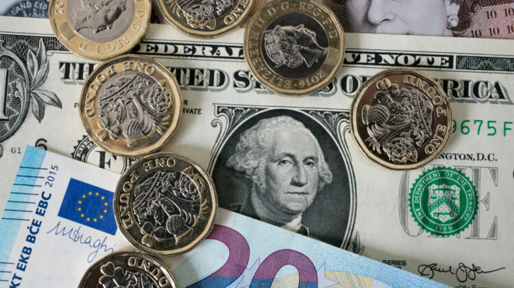 Există o explicație! De ce cursul valutar în Moldova a tot oscilat în ultimele luni?