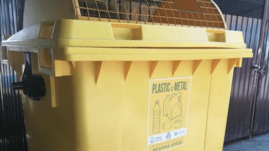 (FOTO) În satul Dubăsarii Vechi, Criuleni, vor fi instalate pubele pentru colectare separată a deșeurilor