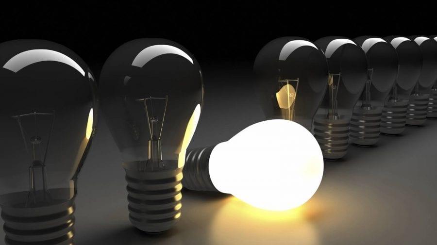 Tarifele la energia electrică vor fi compensate de stat. Cui aparține inițiativa