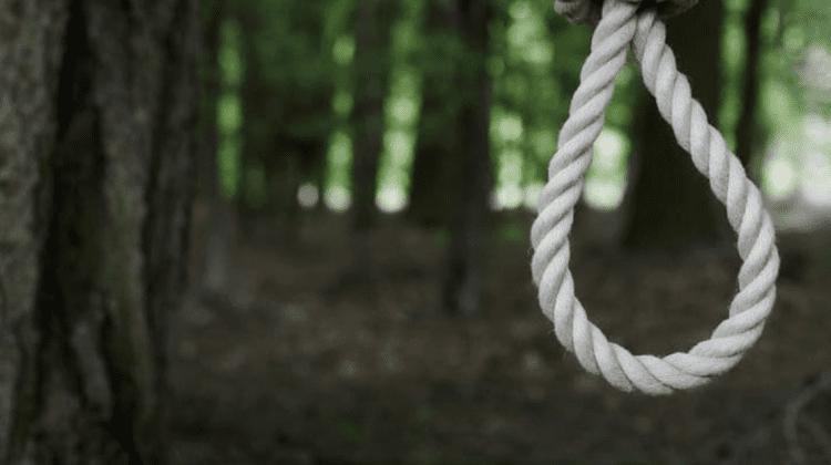 ÎNGROZITOR! O femeie de la Hîncești, găsită strangulată de propria fiică