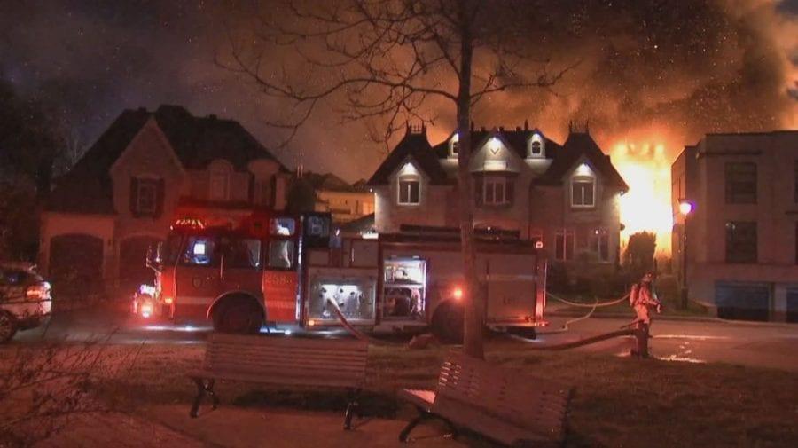 (VIDEO) O casă de lux a proprietarului PornHub a fost distrusă într-un incendiu suspect