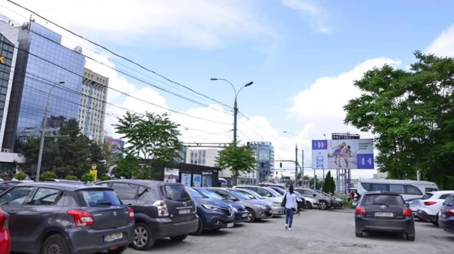 O parcare publică a fost eliberată în centrul Capitalei: Vor fi disponibile 150 de locuri de parcare