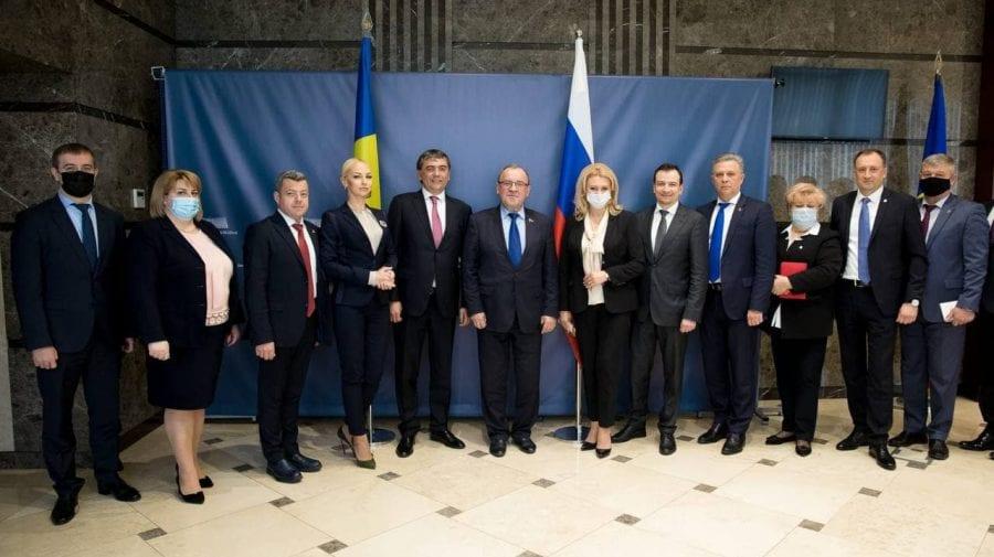"""""""Edinaia Rossia"""" le mulțumește celor din Partidul """"ȘOR"""" pentru că asigură echilibrul de forțe în Parlament"""
