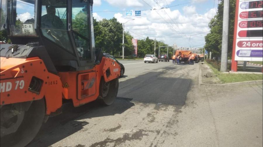 Lucrările de plombare a străzilor din Capitală vor continua astăzi. Vezi adresele vizate