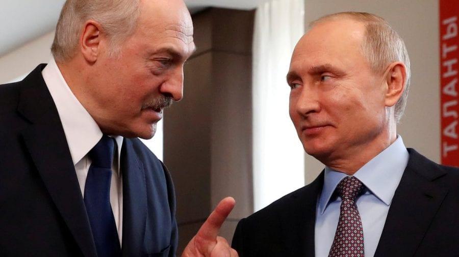 """Președintele Belarusului va zbura în Rusia pentru o """"întâlnire serioasă"""" cu Vladimir Putin"""